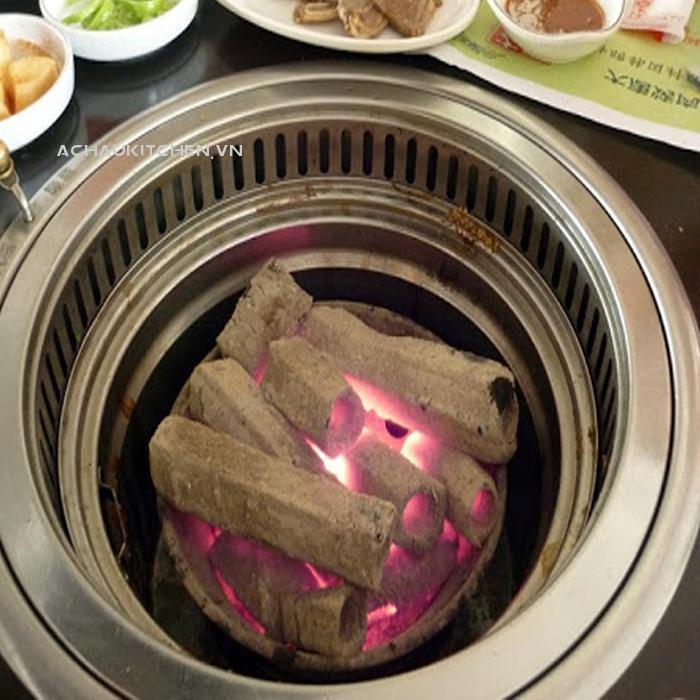 http://achaukitchen.vn/upload/2020-08-05/bếp-nướng-than-hoa.jpg